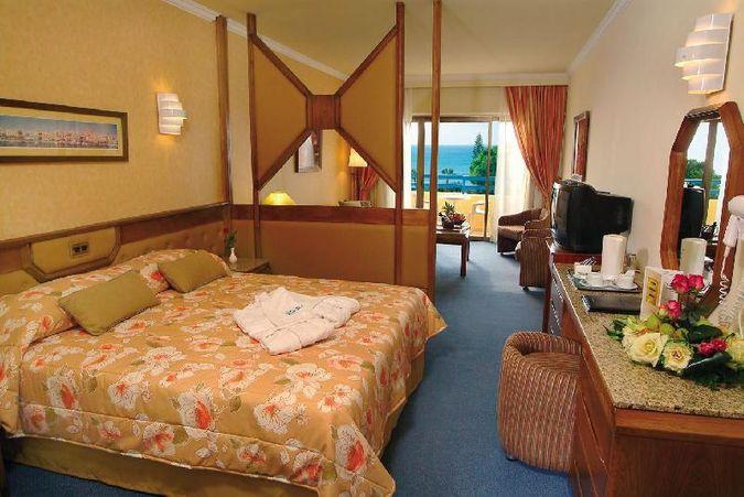 Отель ELIAS BEACH HOTEL LIMASSOL 4* отдых на Кипре САН-ТУР