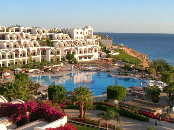 Нудистский отель oasis village naturiste port leucate