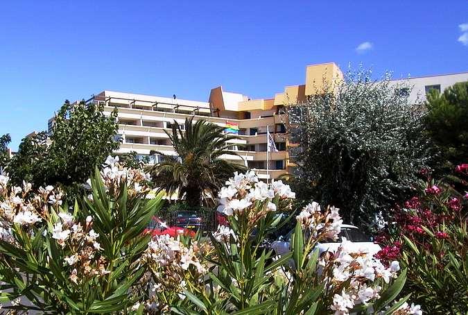 нудистские туры во Францию - фото нудистского отеля Cap D Agde 4* САН-ТУР