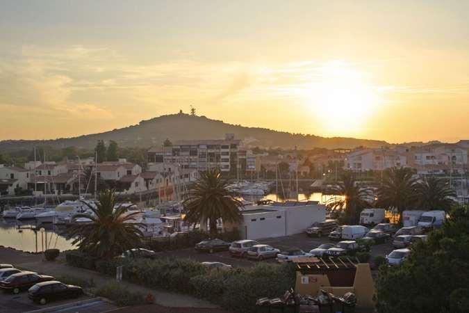 нудистские туры во Францию - фото нудистского отеля Cap D Agde 4*