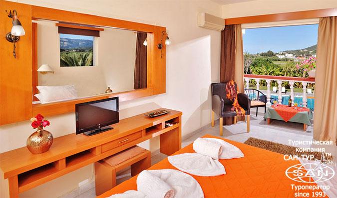 нудистские туры в Грецию - фото нудистского отеля Naturist Angel Nudist Club Hotel 3*