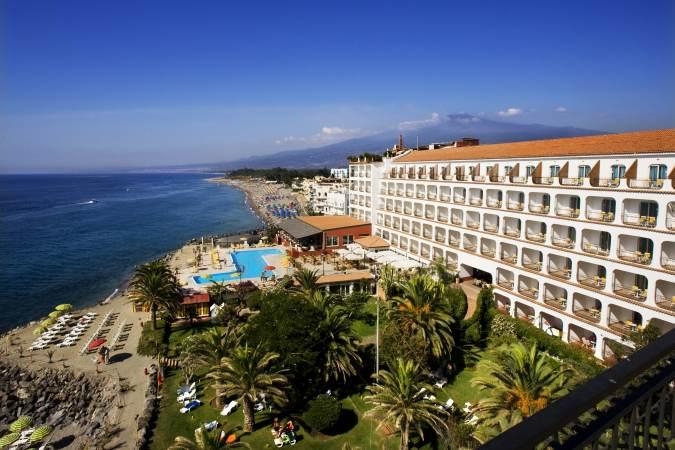 http://www.santour.ru/Italy/images/hotels/RUSSOTT_HOTEL_GIARDINI_NAXOS/RUSSOTT_HOTEL_GIARDINI_NAXOS7.jpg