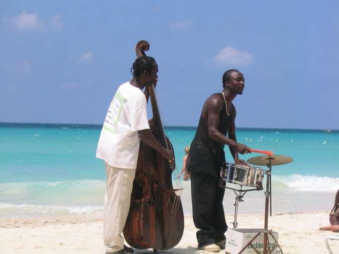 Тур на Ямайку: пьянящий аромат рома под ритмы регги