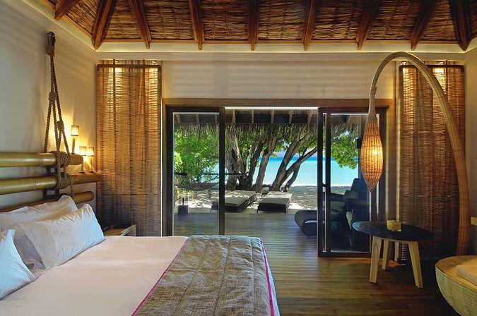 Отель CONSTANCE MOOFUSHI RESORT 5* DELUXE - отдых на Мальдивских островах САН-ТУР
