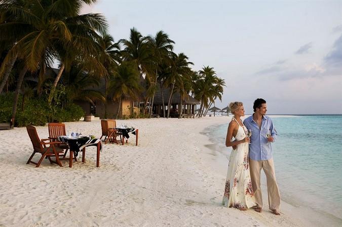Фото отеля Veligandu Island Resort and Spa 4*