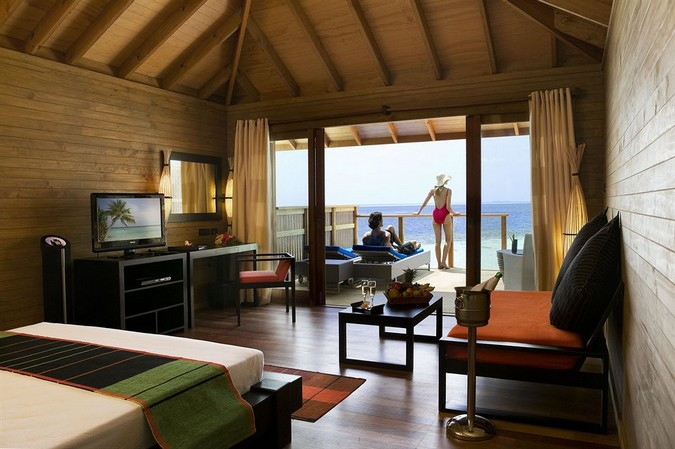 Фото отеля VILAMENDHOO ISLAND RESORT