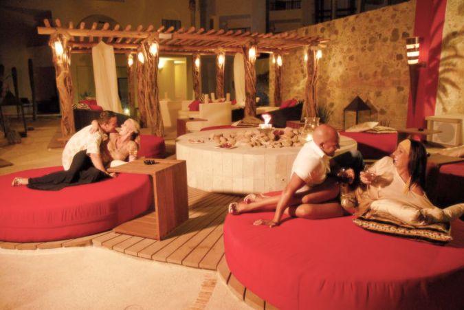 swinger-caribbean-resorts-kapoor-hot-nipples