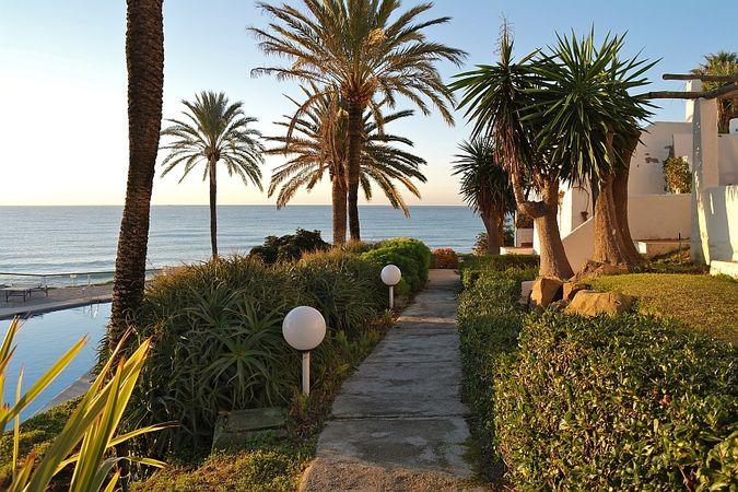 нудистские туры в Испанию - фото нудистского отеля Costa Natura 4*