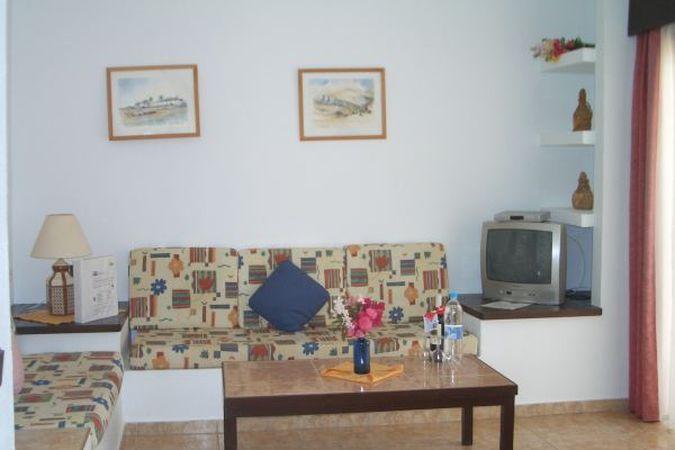 нудистские туры в Испанию - фото нудистского отеля Monte Marina Fuerteventura 4*