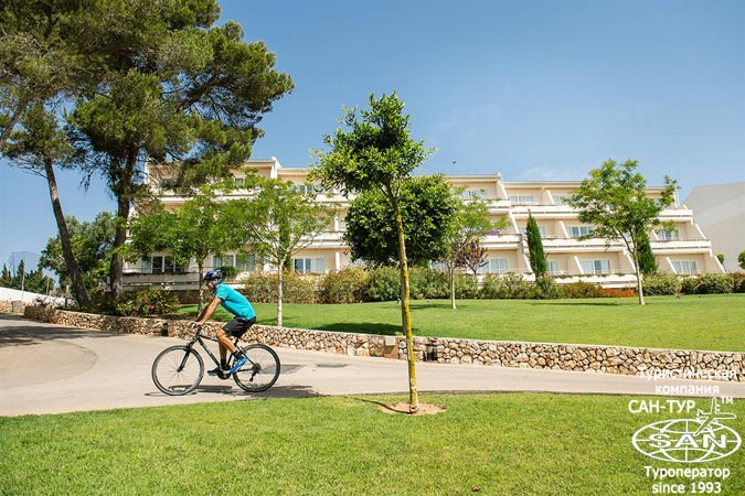Фото отеля Blau Porto Petro Beach Resort Spa 5* Майорка