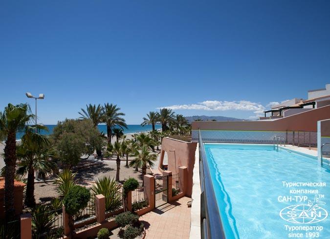 нудистские туры в Испанию - фото нудистского отеля Vera Playa Club 4*