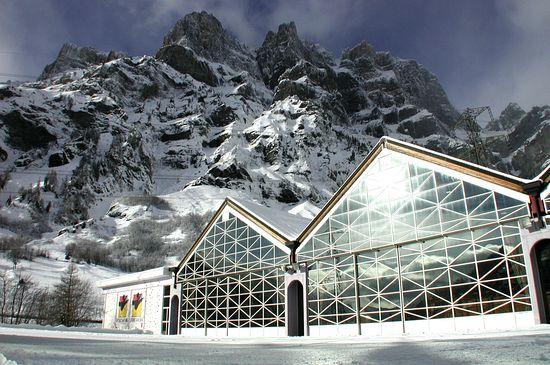 Термальный и горнолыжный курорт Лёйкербад: география и природа